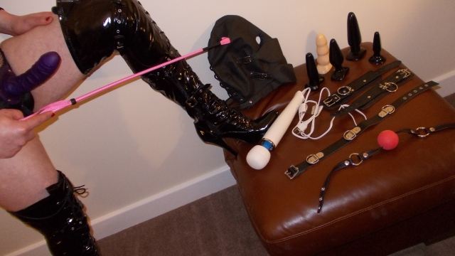 Strapon, Strap on, Strap-on, Cuffs, Masks, Vibrators, Dildos, Canes, Collars, Crops