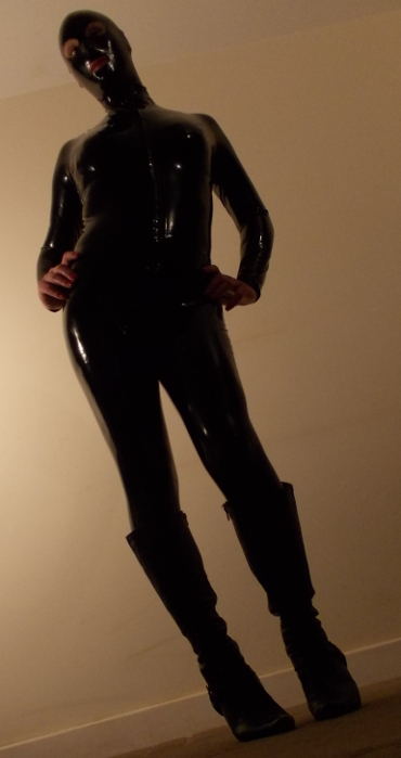 Shemale Rubber Mistress