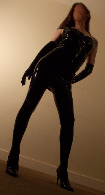 TS Escort in Latex Fetishwear
