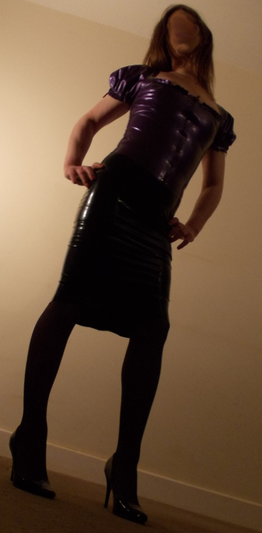 Sweet sexy transsexual latex fetish